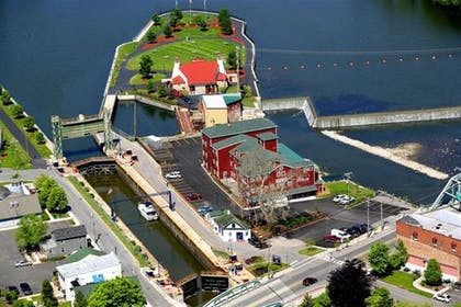 Aerial View   The Red Mill Inn