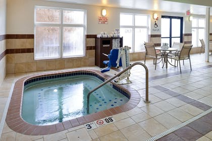 Spa | Holiday Inn Express & Suites Cherry