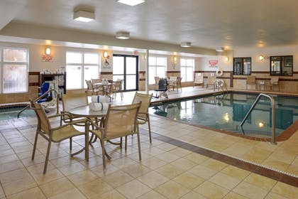 Pool | Holiday Inn Express & Suites Cherry