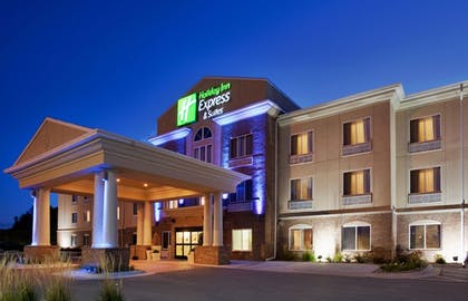 Featured Image | Holiday Inn Express & Suites Cherry