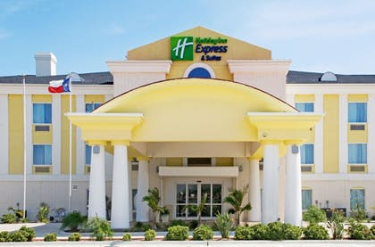 Featured Image | Holiday Inn Express Hotel and Suites of Falfurrias