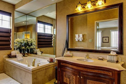 Bathroom | The Wildwood Hotel
