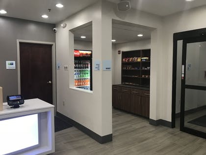 Hotel Interior | Holiday Inn Express Hotel & Suites Canton