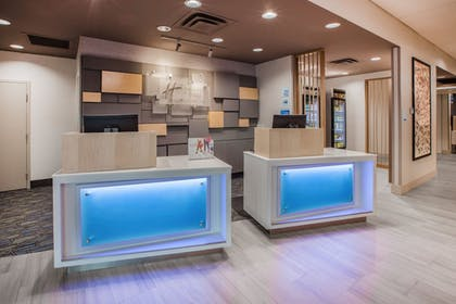 Lobby | Holiday Inn Express Hotel & Suites Canton