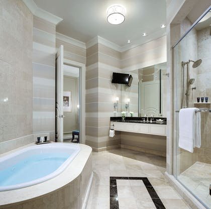 Bathroom | The Palazzo Resort Hotel & Casino