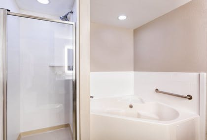 Deep Soaking Bathtub | Holiday Inn Express Hotel & Suites Inverness