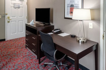 | Executive Suite, 1 King Bed, Non Smoking, Refrigerator & Microwave | Best Western Plus Airport Inn & Suites