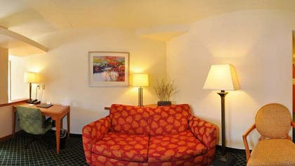 Living Area | Fairfield Inn & Suites Marianna