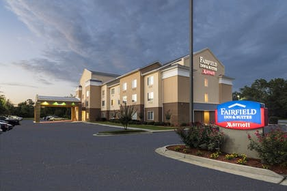Hotel Front - Evening/Night | Fairfield Inn & Suites Marianna