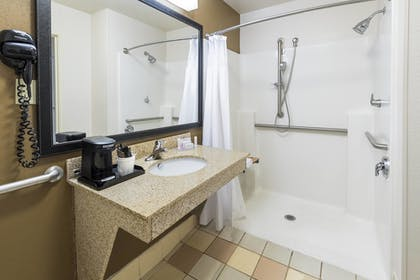 Guestroom | Fairfield Inn & Suites Marianna