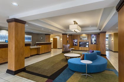 Lobby | Fairfield Inn & Suites Marianna