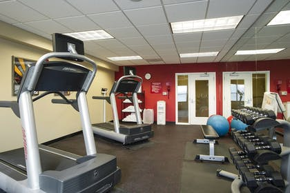 Sports Facility | TownePlace Suites Kansas City Overland Park