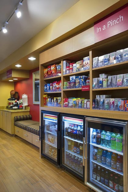 Snack Bar | TownePlace Suites Kansas City Overland Park