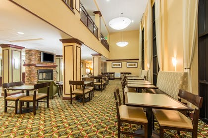 Restaurant | Holiday Inn Express & Suites Phoenix - Glendale Sports Dist