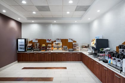 Restaurant | Holiday Inn Express and Suites Ontario Airport