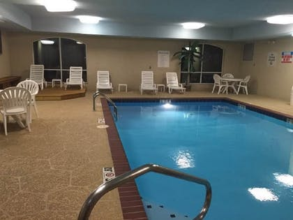 Pool | Holiday Inn Express Hotel & Suites Malvern