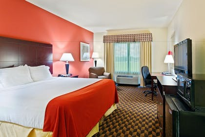Guestroom | Holiday Inn Express Hotel & Suites Malvern