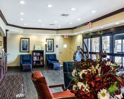 Lobby | Quality Inn & Suites