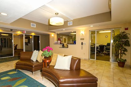 Lobby Sitting Area | Candlewood Suites Ft Myers I75