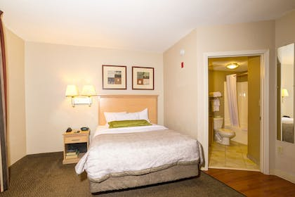 Guestroom | Candlewood Suites Ft Myers I75
