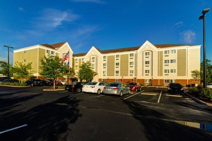 Property Grounds | Candlewood Suites Ft Myers I75