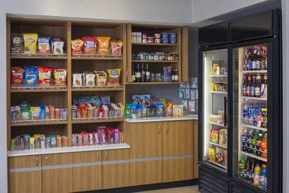 Snack Bar | SpringHill Suites by Marriott St. Louis Airport/Earth City