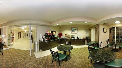 Breakfast Area | Mainstay Suites by Choice Hotels - TX Medical Ctr / Reliant