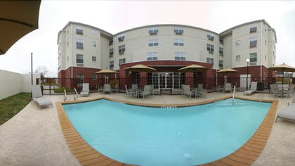 Outdoor Pool | Mainstay Suites by Choice Hotels - TX Medical Ctr / Reliant