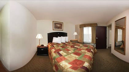 Guestroom | Mainstay Suites by Choice Hotels - TX Medical Ctr / Reliant