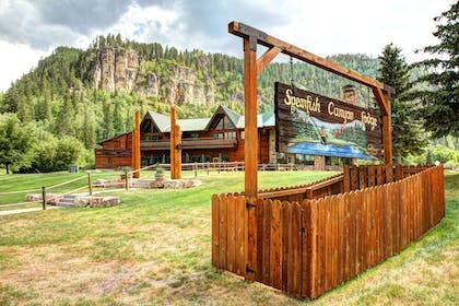 Property Grounds   Spearfish Canyon Lodge