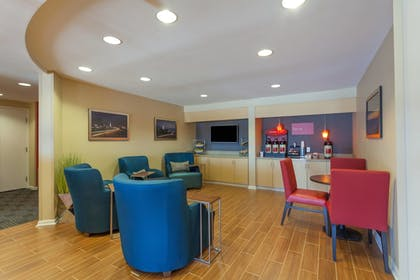 Lobby | TownePlace Suites by Marriott Huntsville