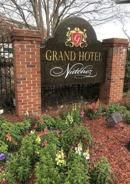 Exterior detail | Natchez Grand Hotel