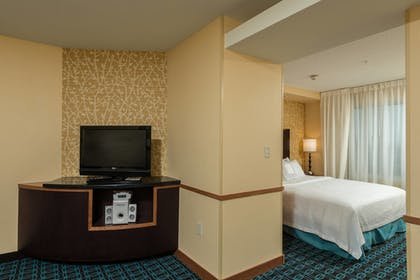 Guestroom | Fairfield Inn & Suites by Marriott Augusta