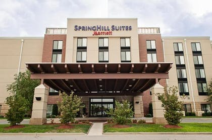 Terrace/Patio | Springhill Suites by Marriott Louisville Airport