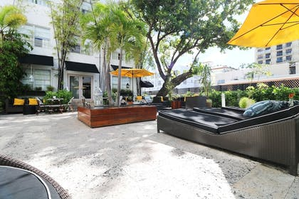 Courtyard | Metropole Suites South Beach, a South Beach Group Hotel