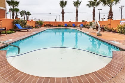 Pool | Holiday Inn Express & Suites Corpus Christi NW - Calallen