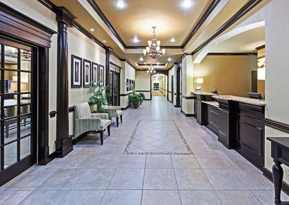 Lobby | Holiday Inn Express Hotel & Suites Victoria