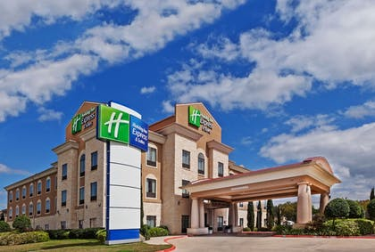 Featured Image | Holiday Inn Express Hotel & Suites Victoria