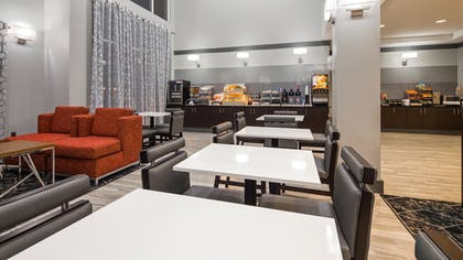 Breakfast Area | Best Western Plus Philadelphia-Choctaw Hotel and Suites
