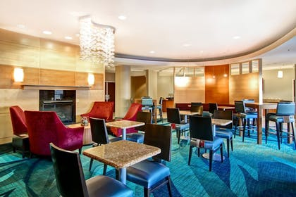 Dining | SpringHill Suites by Marriott Fresno