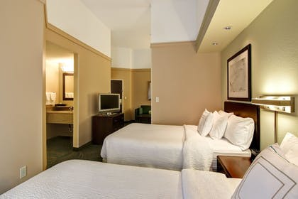 Guestroom | SpringHill Suites by Marriott Fresno