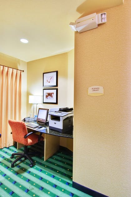 Business Center | SpringHill Suites by Marriott Fresno