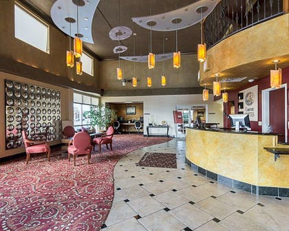 Lobby | Comfort Suites Airport