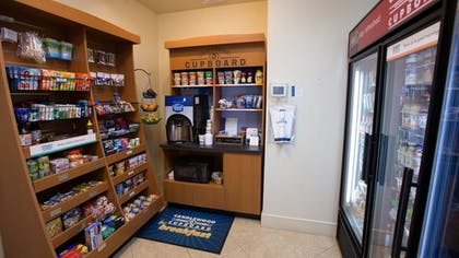 Food and Drink | Candlewood Suites South - Springfield
