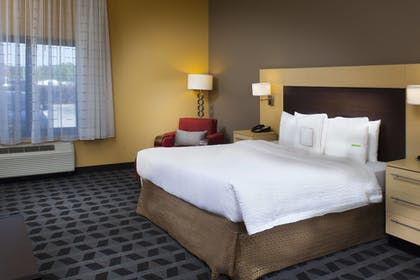 Guestroom | Towneplace Suites by Marriott Savannah Airport