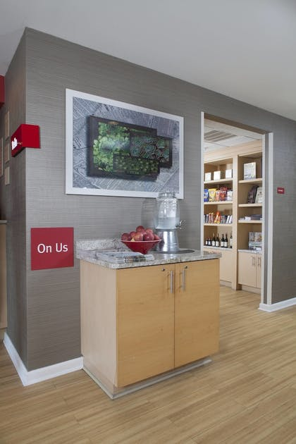 Gift Shop | Towneplace Suites by Marriott Savannah Airport