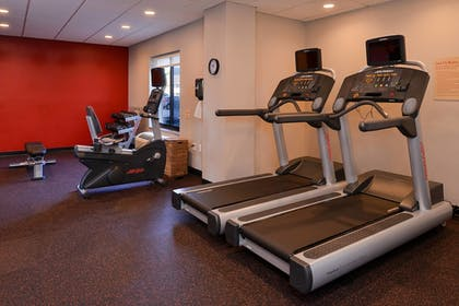 Sports Facility | TownePlace Suites by Marriott Wilmington/Wrightsville Beach