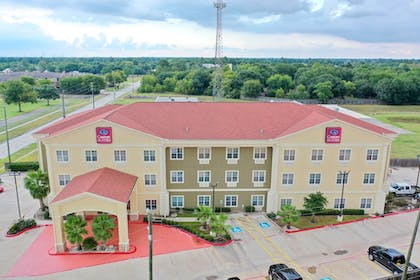 Front of Property | Comfort Suites