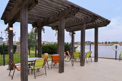 Outdoor Dining | Holiday Inn Express Wichita Falls