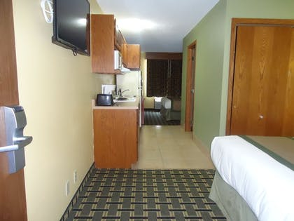 Guestroom |  | Town House Extended Stay Hotel Downtown
